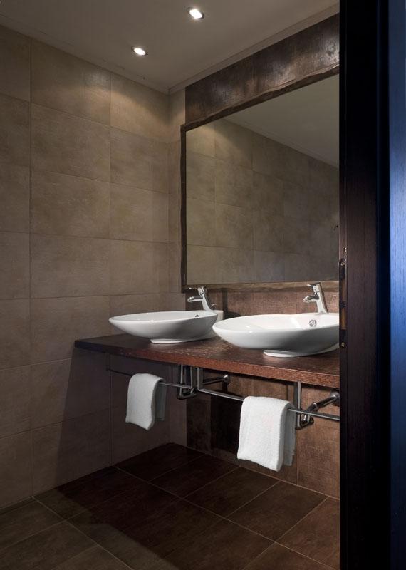 Rappresentazione degli spazi negli interni con l ausilio - Ripresa di nascosto in bagno ...
